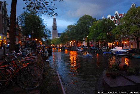Prinsengracht in Amsterdam, night photo