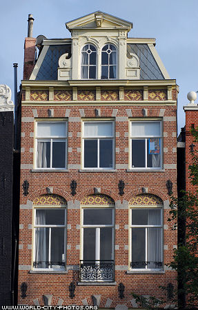 front of old building fronts of houses in amsterdam pictures of