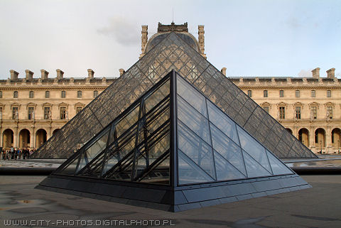 Pictures of Pyramides in Louvre