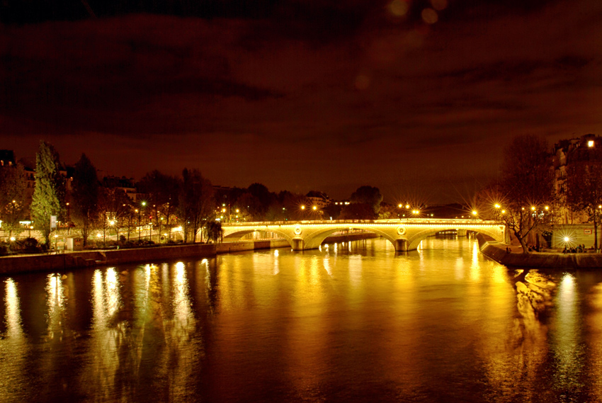 Seine in Paris by night