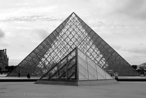 Pyramides in Louvre (black and white photography)