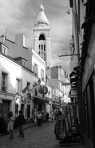 Street near Sacre Coeur - Montmartre - black and white photo